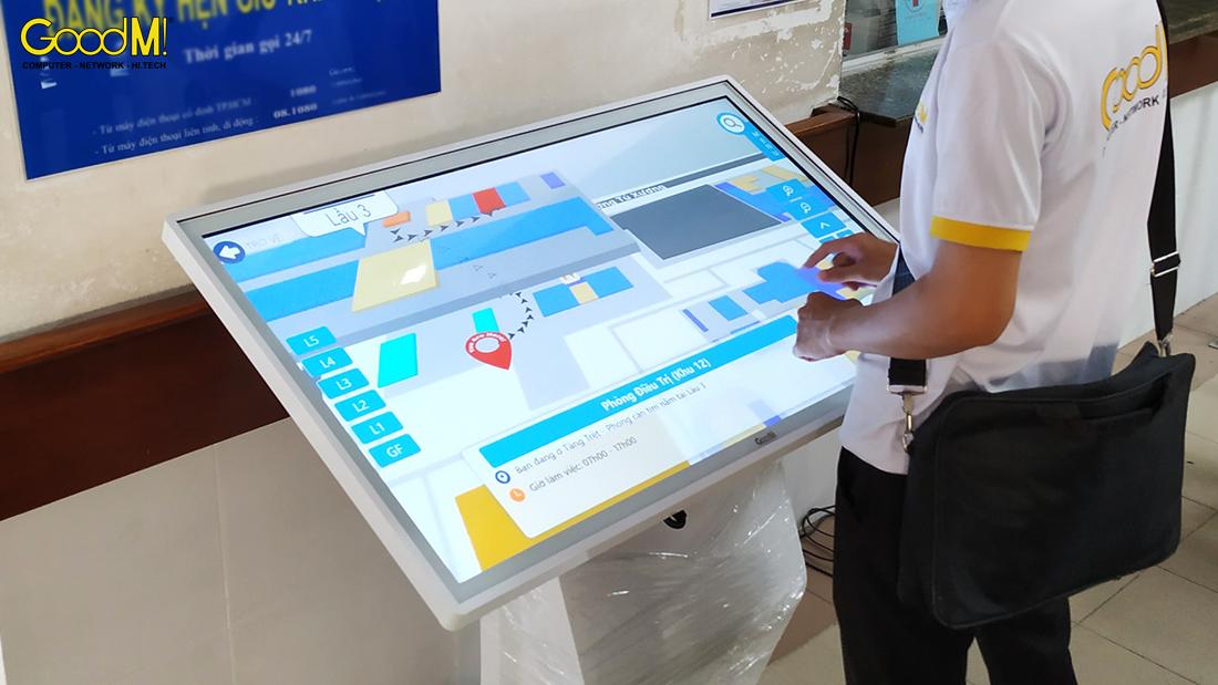 Máy Kiosk chỉ đường tại bệnh viện mắt TP HCM