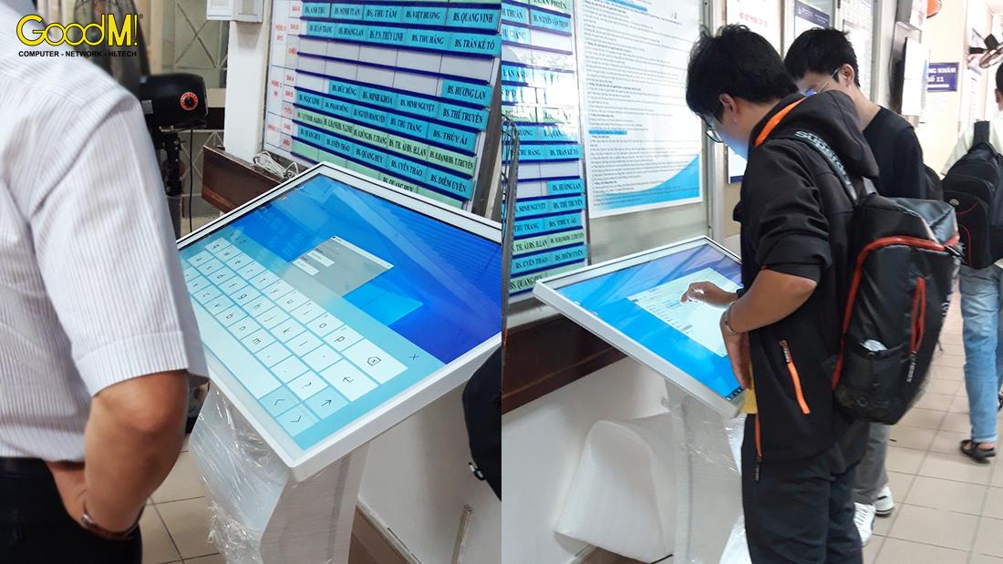 Máy Kiosk chỉ dẫn đường tới phòng khám tại bệnh viện mắt TP HCM